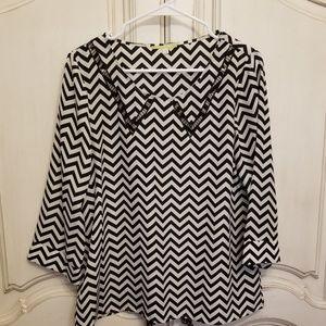 Gianni Bini blouse black & white chevron pattern